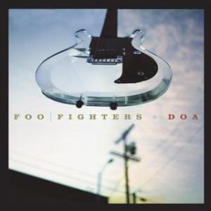 Portada del disco DOA de Foo Fighters