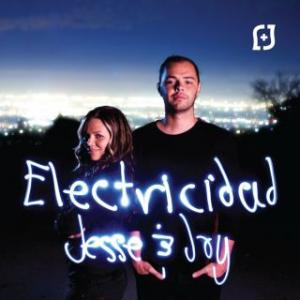 Portada del disco Electricidad (Apple) de Jesse & Joy